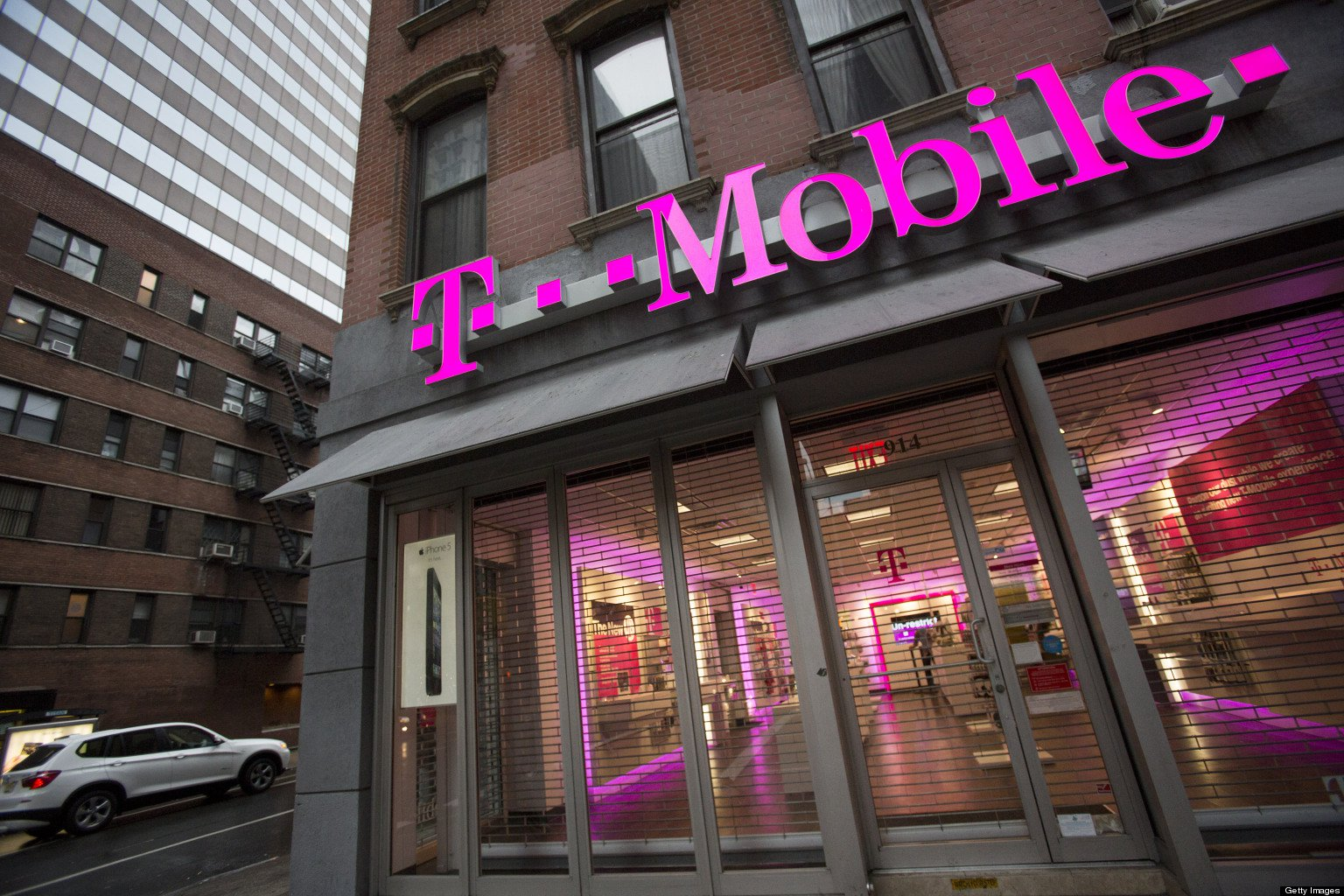 T-Mobile 600 MHz extended range LTE services reaches more than 1,250 cities, towns